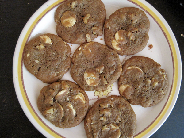 white-chocolate-cookies